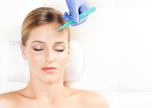 Dermaplaning & peel combination training course